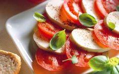Taliansky šalát Caprese Caprese Salad, Cooking Recipes, Food, Cooker Recipes, Essen, Yemek, Insalata Caprese, Recipies