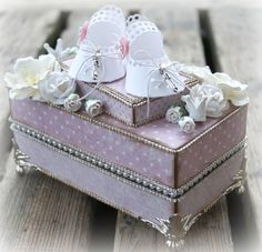 Mitt Lille Papirverksted: Baby Shoes for a Little Baby Girl