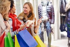 Выбор следующем направлении магазины – роялти-фри стоковая фотография