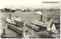 1962. De pont over het IJ die het centrum van Amsterdam met Amsterdam Noord verbindt.
