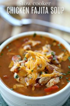 4 Points About Vintage And Standard Elizabethan Cooking Recipes! Crock Pot Chicken Fajita Soup Is Easy To Make And Tasty. The Entire Family Will Enjoy This Low Carb Crock Pot Chicken Fajita Soup Recipe. Keto Crockpot Recipes, Ketogenic Recipes, Soup Recipes, Diet Recipes, Healthy Recipes, Recipes Dinner, Ketogenic Diet, Chicken Recipes, Crockpot Ideas