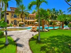 Villa Contenta Miami Luxury Estate on Palm Island - Vacation Rentals - Holiday Lettings - Miami Beach Vacations   #villacontenta #villacontentamiami #miamibeachluxuryvillas #miamiluxuryvillas #miamivacationrentals #miamiluxuryholidays #miamihotels #miamivillahotels #villahotels #hotels #luxuryhotels