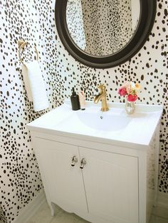 Suburban Faux-Pas: Powder Room Reveal. Simple lovely. This is wallpaper but I think a hand painted version would be a simpler less committed route. I have lots of practice from Avabella's birthday theme.