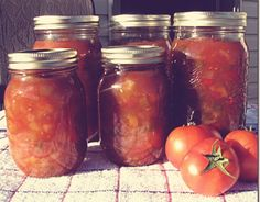 ~Canning~ Homemade French Canadian Fruit Ketchup Canadian Dishes, Canadian Food, Canadian Rockies, Canadian French, How To Blanch Tomatoes, Fermented Foods, Summer Fruit, Homemade Art, Spice Mixes