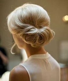 30 chignon Hairstyles wedding for Spring.The perfect hairstyle for brides or bridesmaids! sophisticated chignon,Classic Chignon,sleek chignon not messy,Messy Side Chignon Hairstyle Short Hair Updo, My Hairstyle, Short Hair Styles, Perfect Hairstyle, Hairstyle Ideas, Updos For Fine Hair, Bangs Ponytail, Curly Bun, Medium Hairstyle