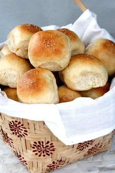 Perfect Soft and Fluffy Dinner Rolls | http://www.carlsbadcravings.com/perfect-soft-fluffy-dinner-rolls/