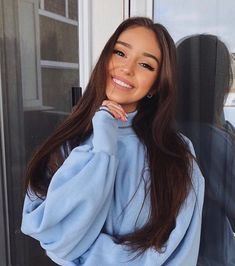 2020 Hottest Haircut Trends Worth Having A Fresh Look Hot Haircuts, Best Photo Poses, Trending Haircuts, Cute Poses, Instagram Pose, Poses For Pictures, Tumblr Girls, Beautiful Smile, Aesthetic Girl