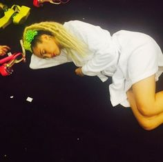 Miley cyrus Hosting is soooooo hard! Lgbt Celebrities, Lgbt News, 12 Image, Rupaul, Miley Cyrus, Covergirl, Mtv, Lesbian, Hollywood