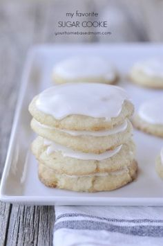 I love a good sugar cookie and after a lot of recipe trying and sugar cookie eating this is my favorite sugar cookie ever!!
