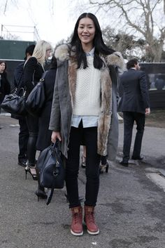 layer up - liu wen style Winter Looks, Mode Style, Style Me, Outfit Invierno, Street Style, Look At You, Passion For Fashion, Autumn Winter Fashion, Winter Outfits