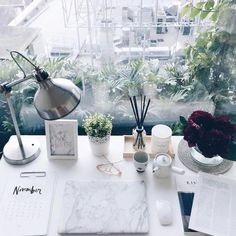 Interview with content editor Li-Chi Pan about her home office, focus and self improvement. My New Room, My Room, Home Design, Interior Design, Desk Inspiration, Desk Inspo, Home Office Decor, Home Decor, Room Goals