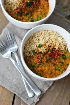 Pidempi korsi - Vegaaniruokablogi — Linssi curry Raw Food Recipes, Vegetarian Recipes, Healthy Recipes, Pesco Vegetarian, Veggie Dinner, Lentils, Curry, Food And Drink, Nutrition