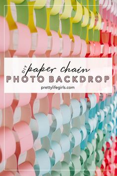 This DIY Paper Chain Backdrop can be used in so many ways! It was inspired by The House that Lars Built. It's a great photo backdrop for a party, wedding or special event. Plus, it's so simple and colorful! - The Pretty Life Girls Diy Photo Backdrop, Paper Backdrop, Photobooth Backdrop Diy, Party Kulissen, Party Wedding, Party Ideas, Photography Booth, Diy Backdrop Photography, Free Svg