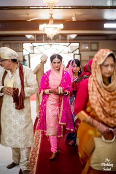 Bride Entry | Gurudwara | Sikh Wedding | Photo by The Wedding Salad