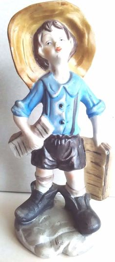 VINTAGE PORCELAIN HANDMADE HAND PAINTED FIGURE NEWSBOY 6 INCHES HOME DECORATION