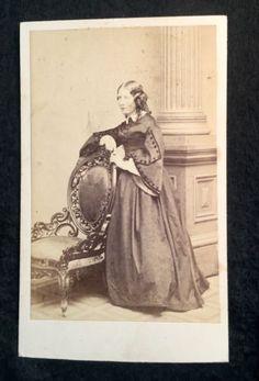 Carte-de-visite-cdv-photograph-of-HARRIET-BEECHER-STOWE-Imprint-Silsbee-Case-amp-C