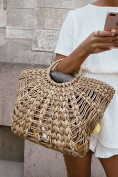 Straw beach bag for the Spring #bag #spring