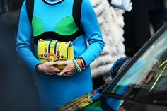 Quirky colour combinations and textures - Tommy Ton Shoots Street Style at the Fall 2014 Fashion Shows All Fashion, Fashion Show, Autumn Fashion, Fashion Weeks, Street Fashion, Aurora James, Paula Cademartori, Tommy Ton, Fade Styles