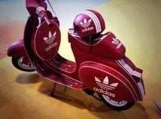 ..._Adidas & Vespa