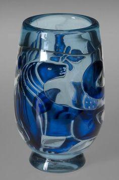 """Edvin Öhrström (1906-1994), Orrefors, """"Ariel"""" Glass Vase."""