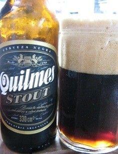 Cerveja Quilmes Stout, estilo Sweet Stout, produzida por Quinsa, Argentina. 4.8% ABV de álcool.