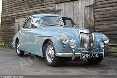 MG Magnette saloon. Had one of these back in the day.