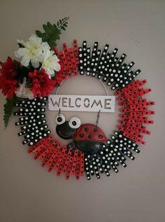 Summer Crafts, Fall Crafts, Holiday Crafts, Crafts To Make, Diy Crafts, Wreath Crafts, Diy Wreath, Wreath Ideas, Lady Bug