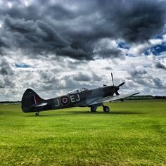 Spitfire Ww2 Fighter Planes, Air Fighter, Ww2 Planes, Fighter Aircraft, Fighter Jets, Ww2 Spitfire, Supermarine Spitfire, Military Jets, Military Aircraft