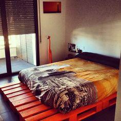 Per fi tot apunt !  #pallet #bed #palletbed #wood #Padgram