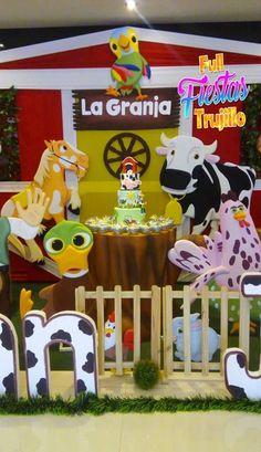 Farm Animal Birthday, Baby Boy Birthday, Farm Birthday, Birthday Party Themes, Mickey Mouse Cupcakes, Holidays And Events, Party Time, First Birthdays, 1