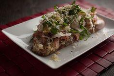 Sandwich de carpaccio de porc façon vitello tonnato   Recettes   Signé M