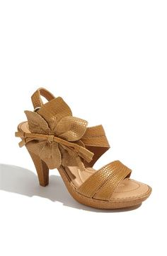 These look like 'wear all day' summer sandals!
