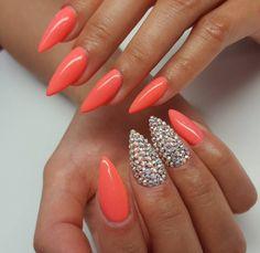 Ślubny manicure na lato