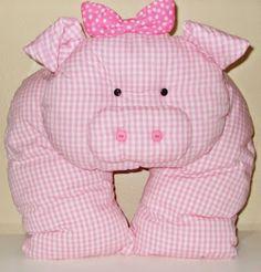 Meri L. Slings e Bolsas: Almofadas infantis em formato de bichinho para decorar o quarto do bebê.