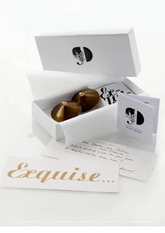 Nippies Exquise, entièrement habillé de chocolat #packaging looks like earrings to me (LOL) PD