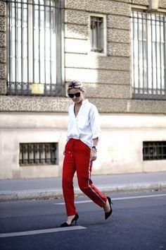 classy jogging how to wear a jogging with style street style paris mathilde margail au petit imprevu