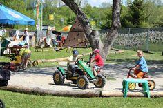 Apartmány Furgalak   furgalak.sk Lawn Mower, Outdoor Power Equipment, Vehicles, Lawn Edger, Grass Cutter, Car, Garden Tools, Vehicle, Tools