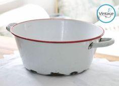 Vintage enamel washing-up bowl