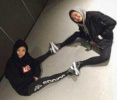 May J and Yoo Jung Lee   dance and 1milliondancestudio Dancing In The Rain, Girl Dancing, 2ne1, K Pop, May J Lee, 1million Dance Studio, Clothing Studio, Korean Streetwear, Learning To Let Go