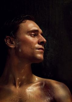 Tom Hiddleston- he makes my lady parts tingle