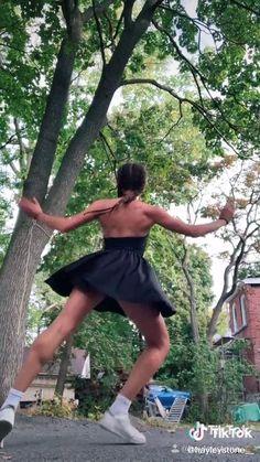 Dance Choreography Videos, Dance Videos, Dance Memes, Gymnastics Workout, Swing Dancing, Dance Tips, Songs To Sing, Dance Photography, Grunge Hair