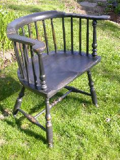 Low back Windsor chair