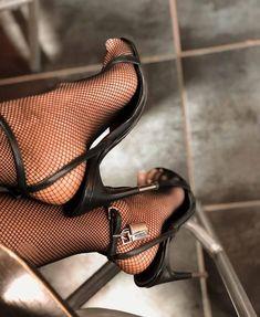 Hot High Heels, Sexy Heels, Strappy Heels, Stiletto Heels, Shoes Heels, Pumps, Gorgeous Feet, Female Feet, Women's Feet