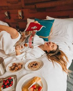 Recently my friend Emma ( and I had a girls weekend at The W Hotel Seattle! Seattle Hotels, Let Your Hair Down, Insta Photo Ideas, Room Pictures, Breakfast In Bed, Girls Weekend, How To Pose, Creative Photos, Photo Poses