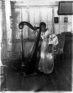 Native girl and harp, Corregidor, Asian Image, Filipino Art, Record Display, Philippine Women, Native Girls, Filipina Beauty, Filipiniana, She Was Beautiful, Vintage Pictures