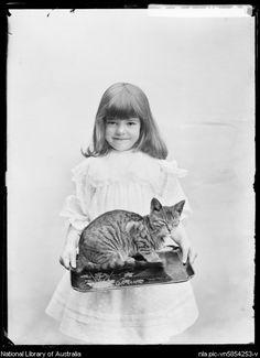 (1906)  Girl w/ cat