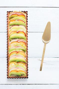 Tarte au carpaccio de fruits, crème pâtissière légère vanillée. (Website est en Francais)