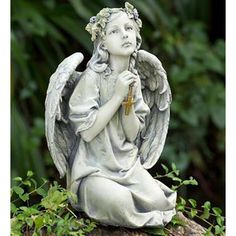 Angels Among Us, Angels And Demons, Bird Types, I Believe In Angels, Garden Angels, Cemetery Art, Cemetery Angels, Angels In Heaven, Heavenly Angels