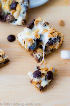 Peanut Butter S'more 7 Layer Bars-- could use gluten free graham crackers Yummy Cookies, Yummy Treats, Sweet Treats, Just Desserts, Delicious Desserts, Yummy Food, Eat Dessert First, Dessert Bars, Cookie Recipes