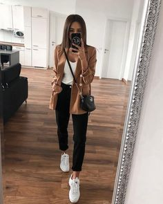 casual wear discovered by Just trendy girls on We Heart It Sneakers Fashion Outfits, Winter Fashion Outfits, Mode Outfits, Look Fashion, Fashion News, Teen Outfits, Teen Fashion, 2000s Fashion, Fashion Clothes